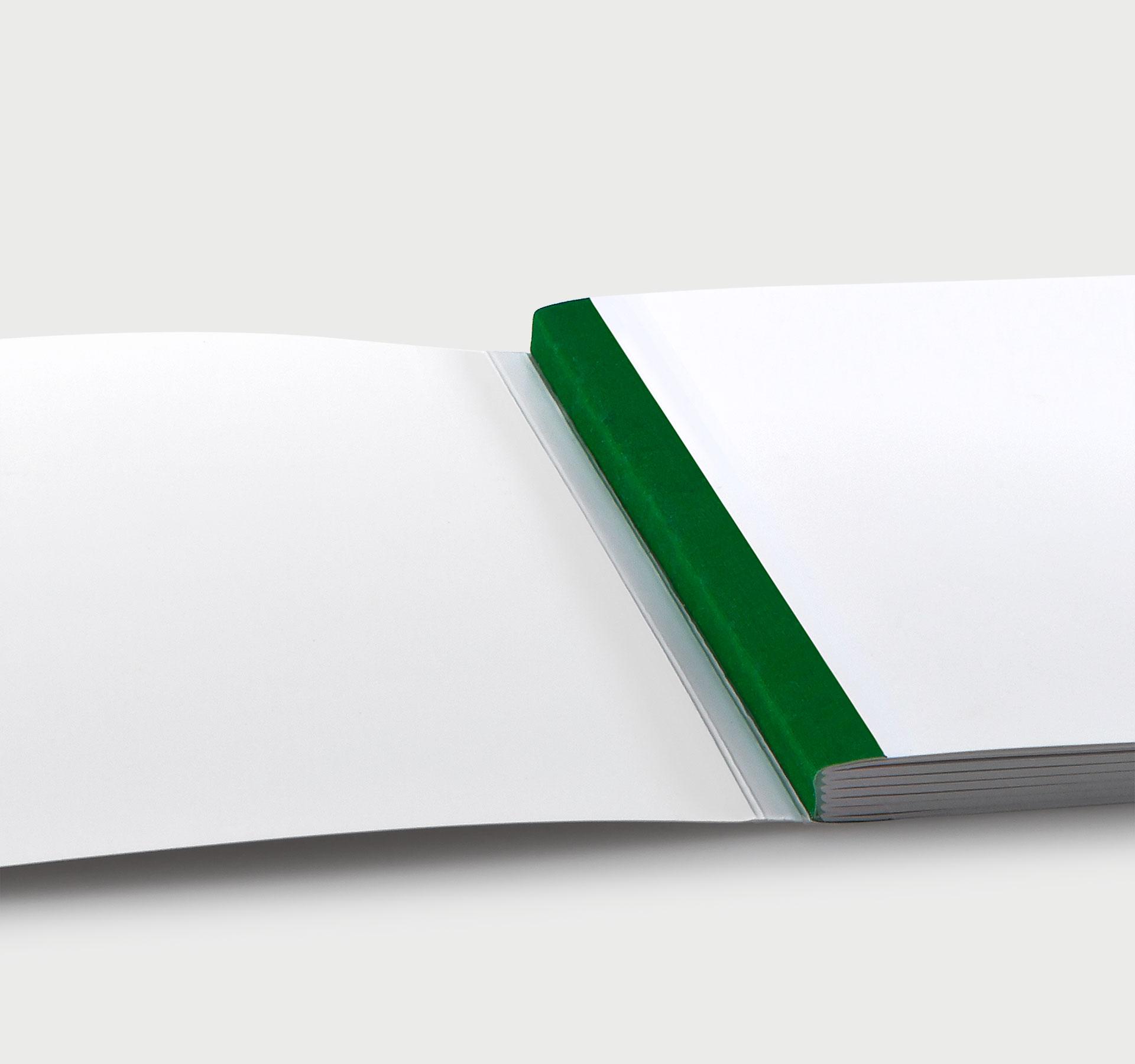 Schweizer Broschur mit Leinenfälzel